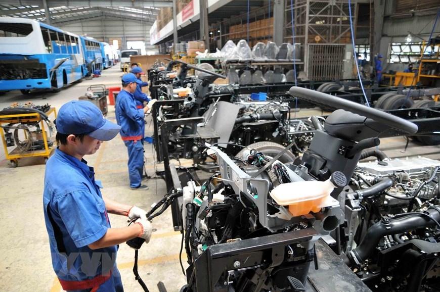 Công nghiệp Việt vượt qua khủng hoảng Covid-19 như thế nào?