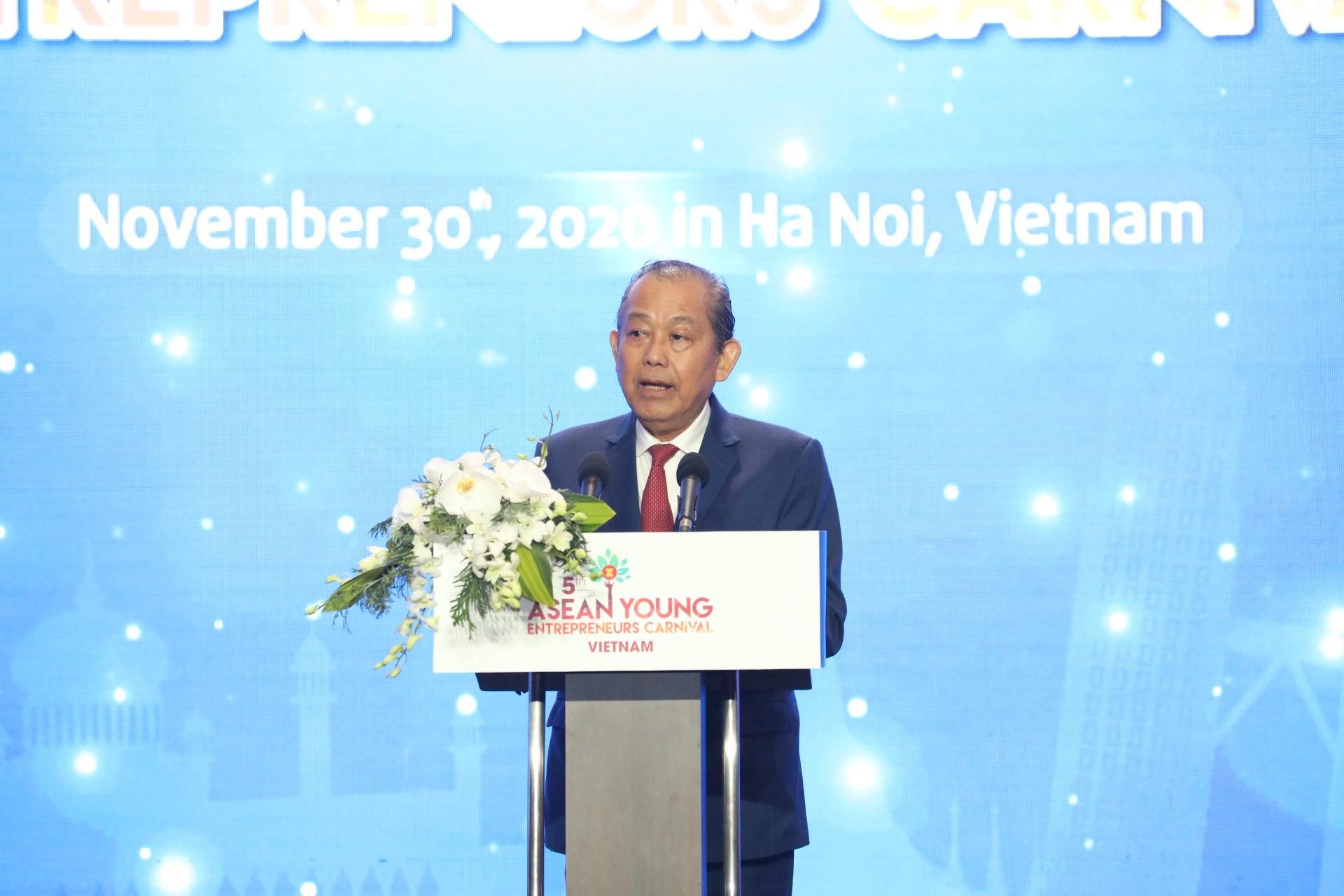 Phó Thủ tướng Thường trực dự Diễn đàn Doanh nhân trẻ ASEAN