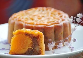 Sức hấp dẫn khó cưỡng của những vị bánh Trung Thu độc lạ