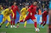 cronaldo can moc 700 ban thang bo dao nha van thua ukraine