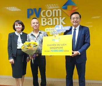 pvcombank trao tang chuyen du lich singapore cho khach hang