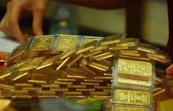 Vàng SJC giảm mạnh vẫn cao hơn thế thế giới gần 9 triệu đồng/lượng