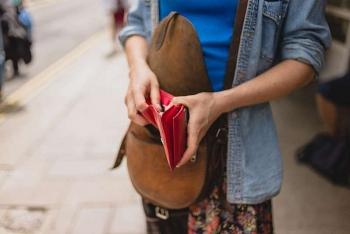 Tìm lại được ví tiền sau 60 năm thất lạc
