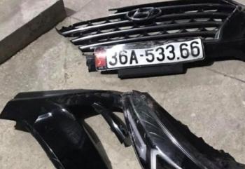 Truy tìm xe ô tô rơi biển số tại hiện trường vụ tai nạn chết người