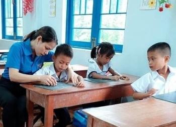 Cô giáo bám trường, bám bản với ước mơ truyền cảm hứng cho học sinh