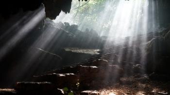 Khám phá động Thiên Hà hấp dẫn, độc đáo ở Ninh Bình